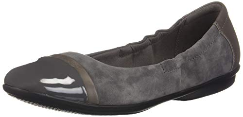 CLARKS Women's Gracelin Jenny Ballet Flat, Grey Suede/Leather Combo, 050 M US ()
