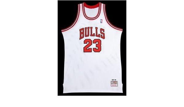 separation shoes 597b3 9333c Michael Jordan Autographed Chicago Bulls Mitchell & Ness