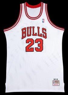 c14bd4e33c70 Michael Jordan Autographed Chicago Bulls Mitchell   Ness  quot 97-98 quot   ...