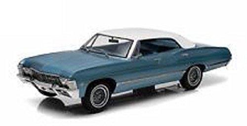 Greenlight 1967 Chevrolet Impala Sport Sedan Diecast Model Car 1:18 (Sedan Diecast Model)