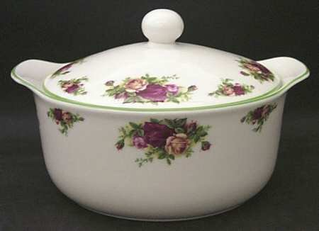 ROYAL ALBERT OLD COUNTRY ROSES -ROUND CASSEROLE - 5PT - UK MADE