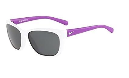 Amazon.com: Nike anteojos de sol gris lens trophi, Blanco ...