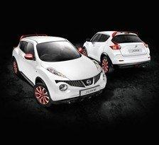 Kit rojo exclusivo para Nissan Juke NAH:Tapones de espejo, alerón de techo +