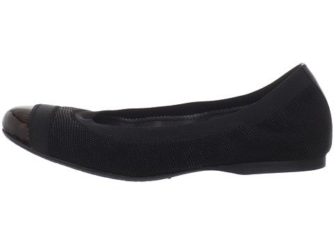 Stuart Weitzman Womens Tipable Black Kippenvel Flat 4 M