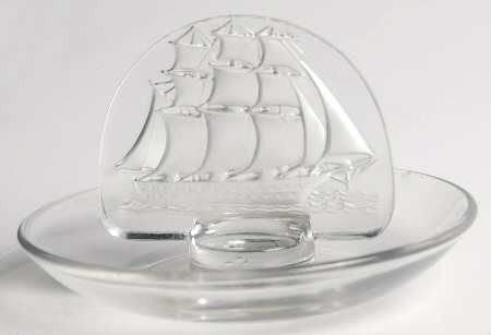 - Lalique Caravelle Ship Ring/Pin Tray
