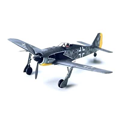 Tamiya Models 60766 Focke Wolf 190 A-3 Model Kit: Toys & Games