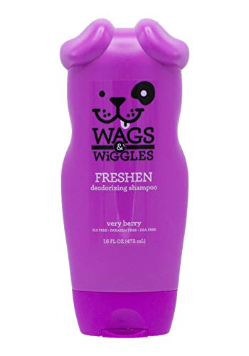 Wags & Wiggles Freshen Deodorizing Dog Shampoo in Very Berry