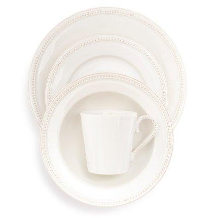 sur la table dinnerware - 1