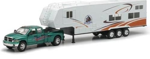 Die-Cast Pick Up Truck with 5th Wheel Camper, 1:32 (Pick Up Truck For Kids)