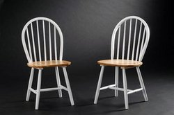 Set of 2 Windsor Dining Chairs with Natural Seat in White Finish For Sale