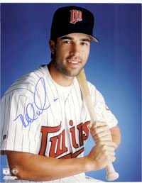 Signed Walker, Todd (Minnesota Twins) 8x10 autographed