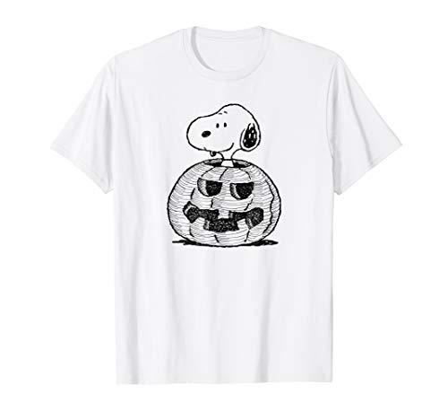 Peanuts Halloween Snoopy Jack-O'-Lantern T-Shirt]()