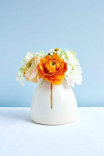 The Beehive Vase ()