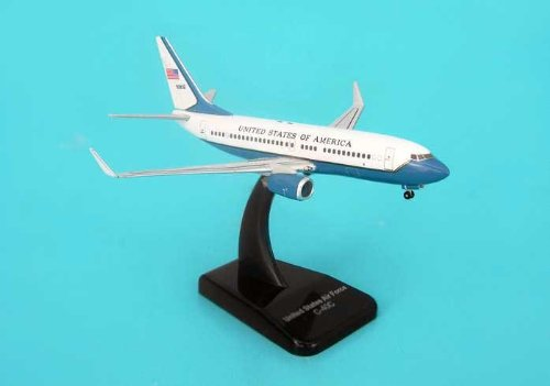Hogan USAF C-40C (737-700) 1/400 With Stand