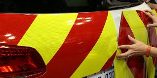 SafetyDecals.com 15'' V98 Chevron Reflective Sheeting (15'' V98 Right Hand Slant, 10' Roll)