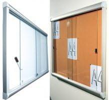 Vitrina Interior para puerta corredera de cristal fondo corcho 15 A4 (98 x 108,5 cm): Amazon.es: Hogar