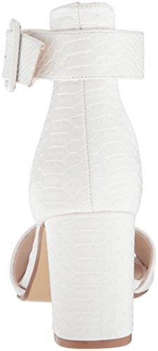 Donna Cinese Delle Signore Della Lavanderia Con Il Sandalo Con Il Sandalo Bianco