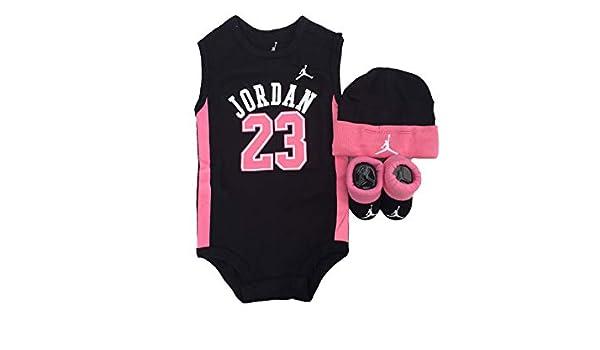 Jordan Jersey Ropa de bebé de 3 Piezas de Baloncesto Set (0 - 6 Meses)   Amazon.es  Ropa y accesorios e89d5b64fc5