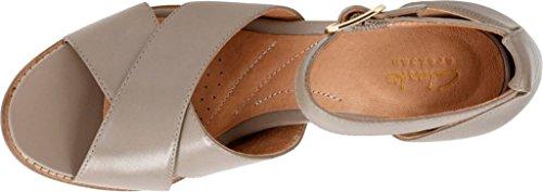 CLARKS Women's Briatta Tempo Khaki Leather Combi Sandal YuAcP