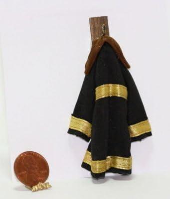 Dollhouse Miniatures 1:12 Scale Fireman/'s Helmet #IM65376