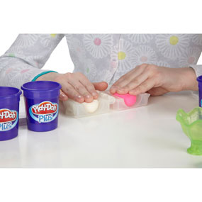 Decorate with Classic Play-Doh Compound