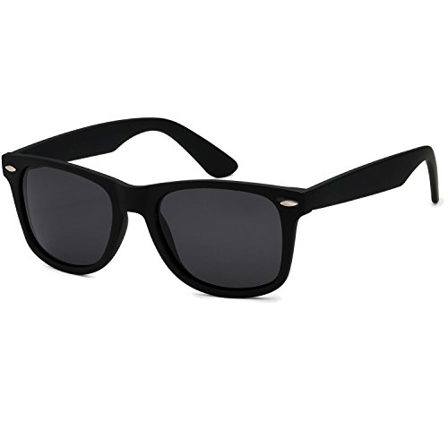 Men's Black Classic Horn Rimmed Retro Sunglasses Medium (52mm) ()