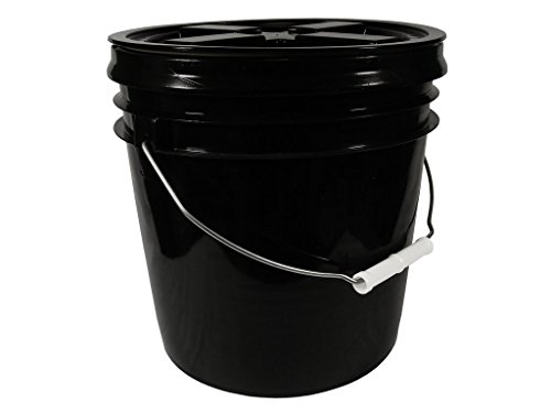 2 Gallon Black Bucket with Black Gamma Seal Screw-on threaded lid