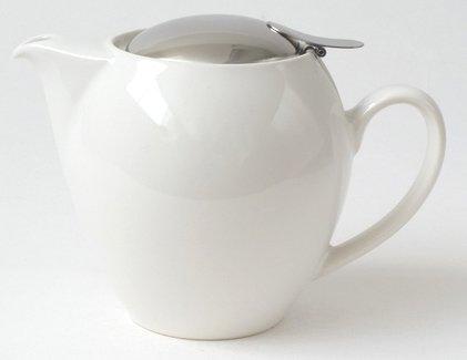 Round White Teapot 22 Ounces ()