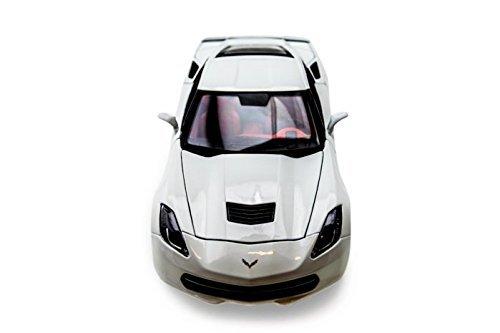 (2014 Chevy Corvette Stingray Z51 - 1:18 - White - Maisto Diecast Models)