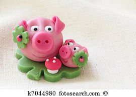 LUCKY PIG - Marzipan Pig with Sugar Decoration - 1.87oz
