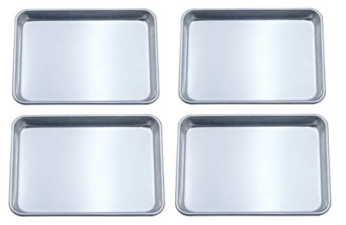 Checkered Chef Quarter Sheet Pan Four Pack - 4 Baking Sheets 9 ½ x 13 Inches. Aluminum Rimmed Cookie 1/4 Sheet Pans For Baking