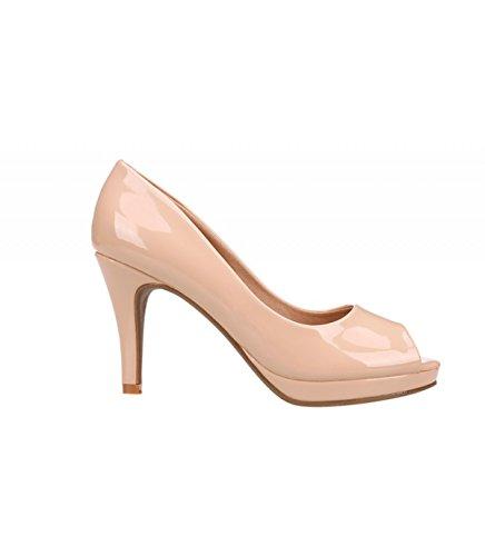 Sandalia tacón color rosa. Apertura en la puntera. Tacón fino. Altura de tacón 9.5 cm. Beige