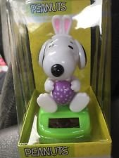 Peanuts Snoopy Purple Easter Solar Bobbler 4.25