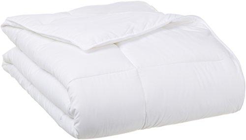 Picture of an AmazonBasics Down Alternative Comforter FullQueen 841710177725