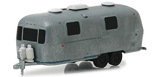 1971 Airstream Land Yacht Safari Travel Trailer Unrestored Version Hitched Homes Series 5 1/64 Diecast Model by Greenlight 34050 D