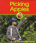 Picking Apples, Gail Saunders-Smith, 1560655852