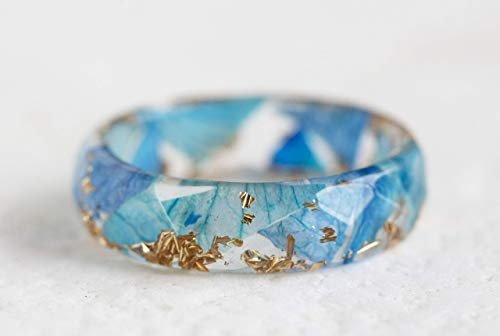 Blue Orchid Resin Ring Band with Gold/Silver Flakes Pressed Petals Inside Faceted ()