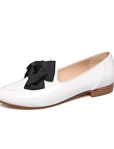 ZQ gyht Zapatos de mujer-Tacón Plano-Comfort / Punta Redonda-Mocasines-Oficina y Trabajo / Casual-Cuero Patentado-Negro / Rojo / Blanco , red-us8 / eu39 / uk6 / cn39 , red-us8 / eu39 / uk6 / cn39 red-us8 / eu39 / uk6 / cn39
