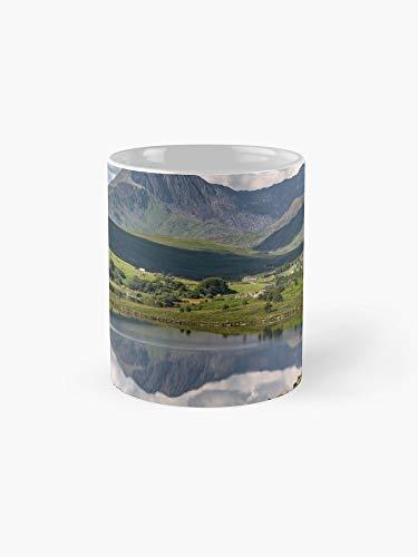 Snowdon Horseshoe Mug - 11oz Mug - Made from Ceramic ()