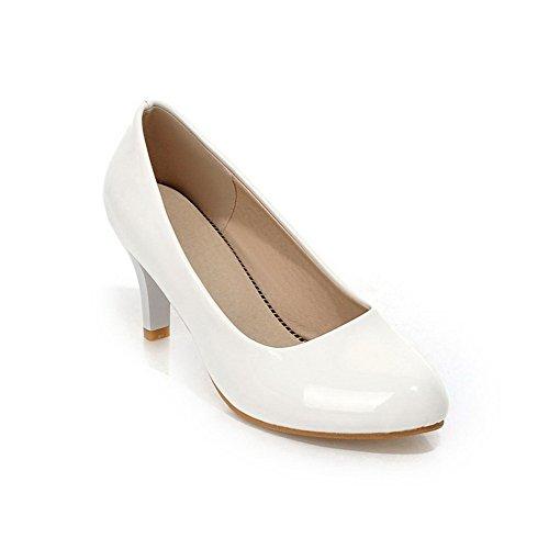 Allhqfashion Dames Pu Stevige Pull-on Puntige Dichte Neus Kitten-hakken Pumps-schoenen Wit