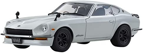 1970 Nissan Fairlady Z-L (S30) RHD (Right Hand Drive) White Pearl 1/18 Diecast Model Car by Kyosho 08220 WP