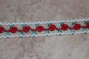 1 Yard White Lattice gimp Trim red Seafoam Rosebud Rosebuds 5/8