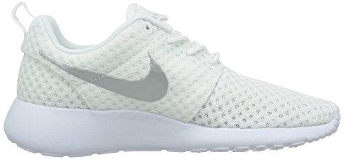 Nike Wmns Rosherun Br - Zapatillas para mujer Blanco/Platino Metálico