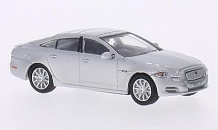 Amazon Com Jaguar Xj Silver Rhd Model Car Ready Made Oxford 1