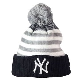 63b8615597afe4 New Era NY Yankees Youth Kids Junior Snowfall Strip Bobble Beanie Hat:  Amazon.co.uk: Clothing