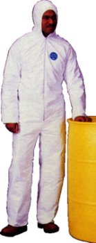 Coated Polypropylene Coveralls (PE Coated Polypropylene Coveralls Standard Suit with Zipper Front (25 per case) Size XL)