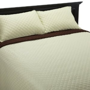 300 Thread Count Solid Sateen Reversible Quilt Set Size: Full / Queen, Color: Light Green / Chocolate