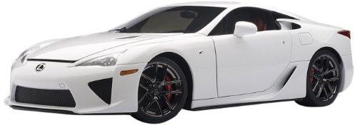 1/18 レクサス LFA ホワイテスト・ホワイト 「ダイキャスト・モデルカー シグネチャーシリーズ」 78831