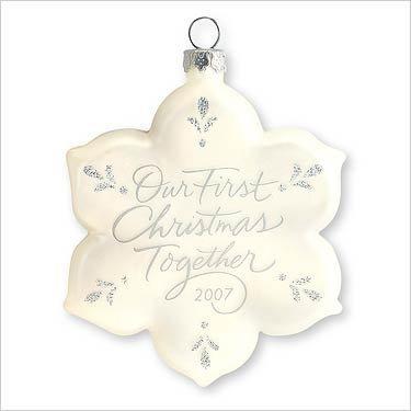Hallmark Keepsake Ornament - Our First Christmas Together 2007 (QXG6127)