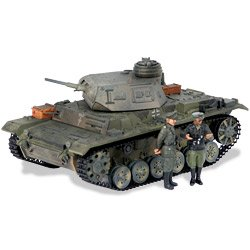 The Ultimate Soldier: WWII German Panzer III Tank With Two (21st Century Toys Vehicles)